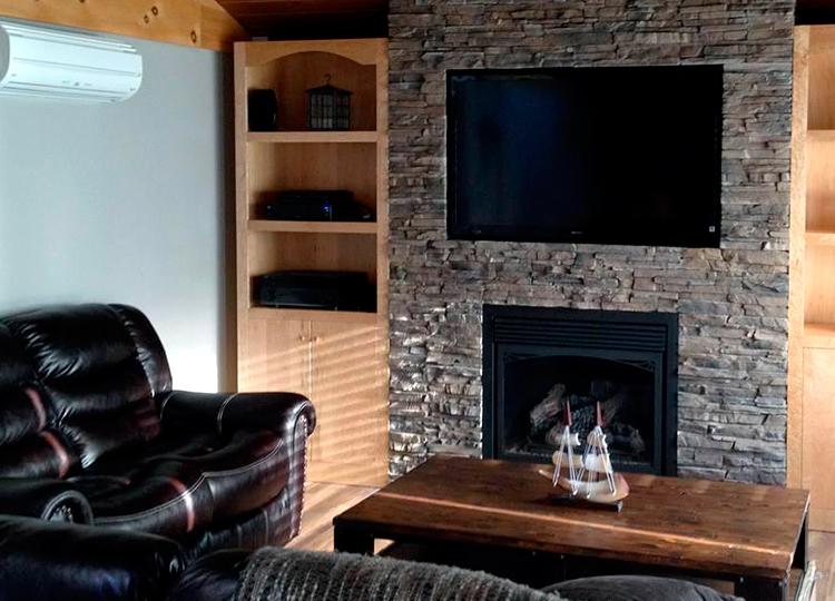 4 sugerencias para la decoraci n de salones con piedra artificial pirkastone - Salones decorados con piedra ...