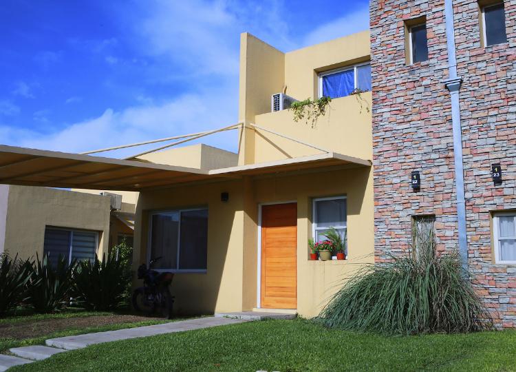 Las mejores piedras para la fachada de casa pirkastone for Fachada de casas modernas con piedras